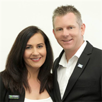 Simon and Helen Kirkham, Robina, 4226