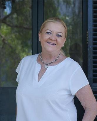 Eileen Carroll, Glebe, 2037